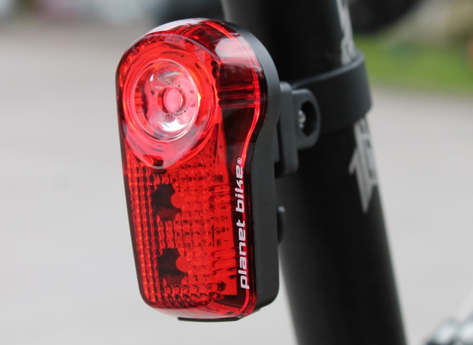 Planet Bike Superflash Usb Review The Bike Light Database